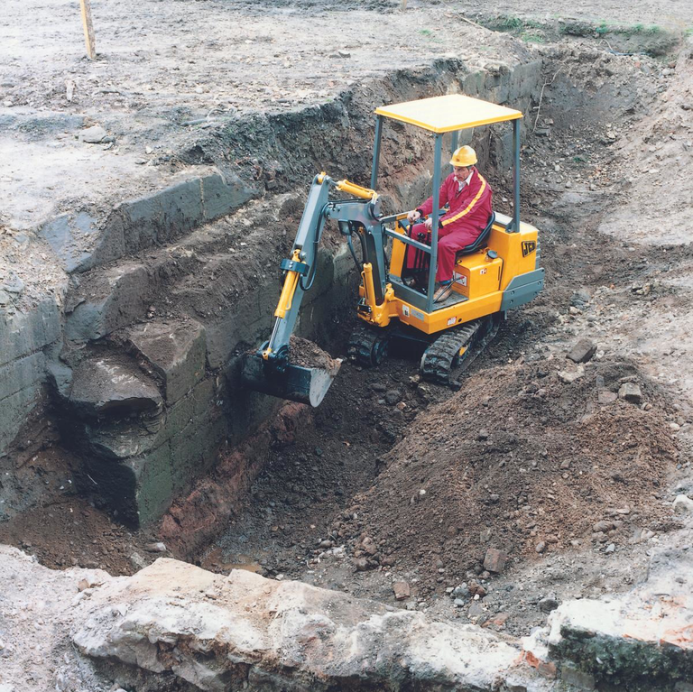 JCB's First Mini Excavator 1982